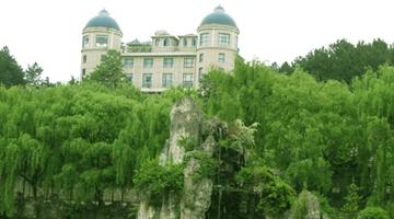 百花湖灵达渡假村